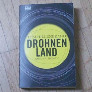 Drohnenland von Tom Hillenbrand (Image: obskures.de)